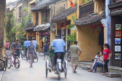 Street Scene, Hoi An, Quang Nam, Vietnam, Indochina, Southeast Asia, Asia