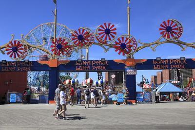 Luna Park, Boardwalk, Coney Island, Brooklyn, New York City, Usa
