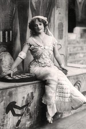 Madge Vincent, Singer and Actress, 1900s