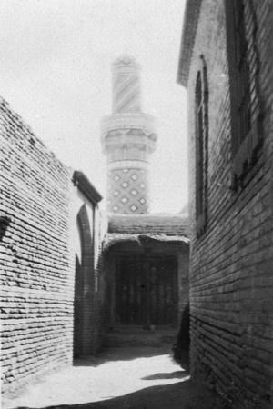 Backstreet and Old Mosque, Baghdad, Iraq, 1917-1919