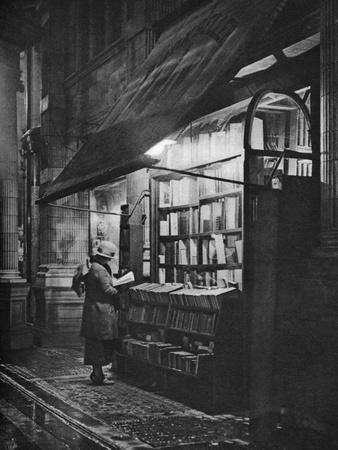 A Bookshop in Bloomsbury, London, 1926-1927