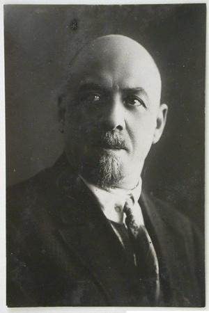 Leonid Aleksandrovich Vesnin (1880-193)