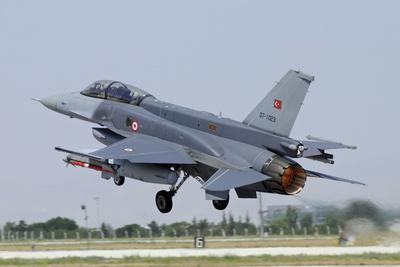 A Turkish Air Force F-16D Block 50+ Taking Off from Konya Air Base