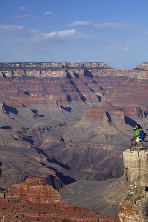 Arizona, Grand Canyon National Park, Grand Canyon and Tourists at Mather Point