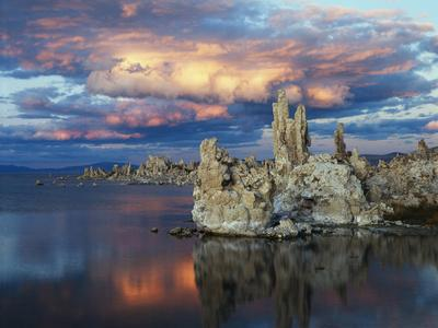 California, Sierra Nevada, Tufa Formations Reflecting in Mono Lake