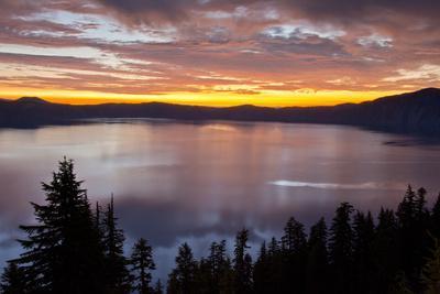 Sunrise, Crater Lake National Park, Oregon, USA