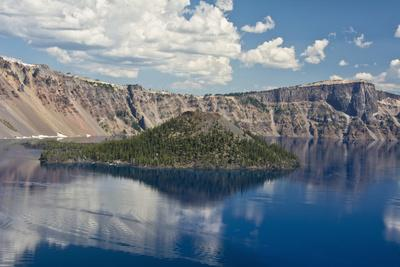 Crater Lake, Wizard Island, Crater Lake National Park, Oregon, USA