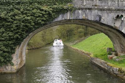 France, Burgundy, Nievre. Approaching Pont Port Brule, La Collancelle