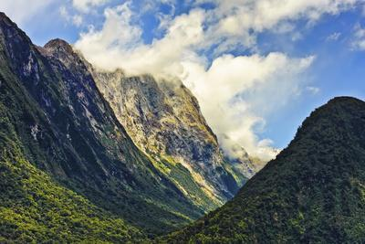 New Zealand, South Island, Fiordland National Park, Milford Sound