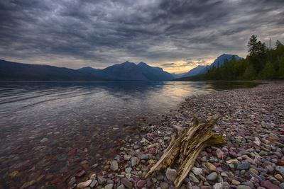 USA, Montana, Glacier National Park, Lake Macdonald