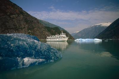Cruise West *Spirit of Columbia* Among Icebergs in Tracy Arm Fords-Terror Wilderness Area Se Alaska