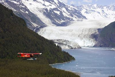Dehavilland Beaver Floatplane Flying Towards Barry Glacier Harriman Fjord Chugach Nf and Mtns Pws