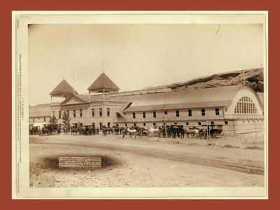 Hot Springs, S.D. Exterior View of Largest Plunge Bath House in U.S. on F.E. and M.V. R'Y