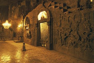 Chapel in Cathedral Carved Out of Rock Salt in Wieliczka Salt Mine(Unesco World Heritage List