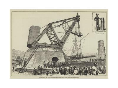 Disembarking the Italian Hundred-Ton Gun Arrived at Spezia from Newcastle-On-Tyne