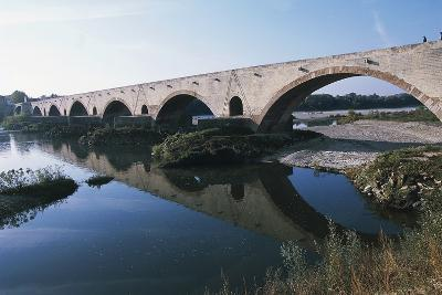 Bridge over Rhone River, 1265-1309, Pont-Saint-Esprit, Languedoc-Roussillon, France