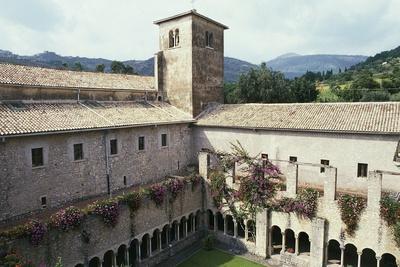 Cloister of the Valvisciolo Abbey, 12th Century, Sermoneta, Lazio, Italy