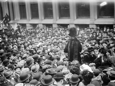 Mrs. Pankhurst in Wall Street, 1911