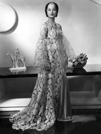 Folies Bergere De Paris (Folies Bergere), Merle Oberon, 1935 De Roydelruth
