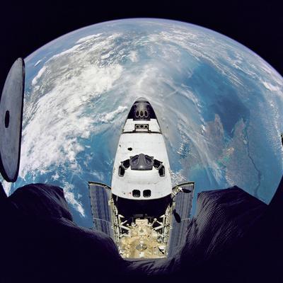 Space Shuttle Atlantis from Orbital Station Mir, June 29, 1995