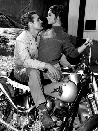 Key Witness, Dennis Hopper, Susan Harrison, 1960