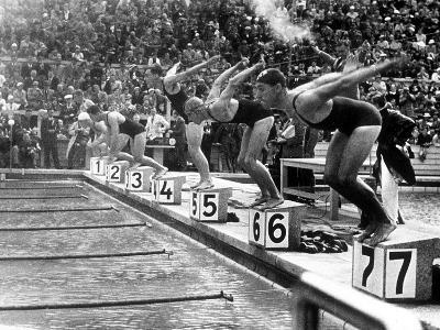 Swimming Competition at Berlin Olympic Games in 1936 : Here Swimmers Diving in Swimmming Pool