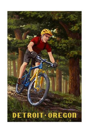 Detroit, Oregon - Mountain Biker in Trees