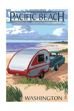 Pacific Beach, Washington - Retro Camper on Beach