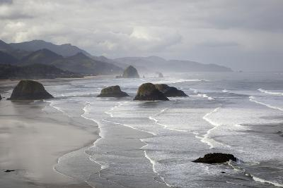 Cannon Beach and Haystack Rock, Crescent Beach, Ecola State Park, Oregon, USA