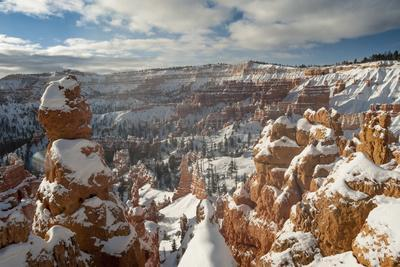 Bryce Canyon Amphitheater, Bryce Canyon NP in Snow, Utah