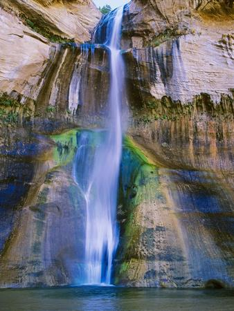 Lower Calf Creek Falls in Grand Staircase-Escalante Nat. Monument, Ut
