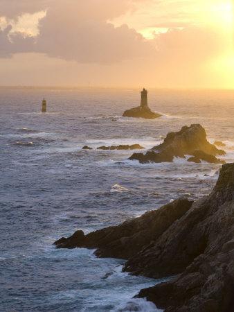 La Vieille Lighthouse, Pointe Du Raz, Cape Sizun, Finistere Region, Brittany, France