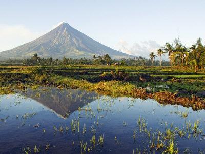 Luzon Island, Bicol Province, Mount Mayon, Near Perfect Volcano Cone, Philippines
