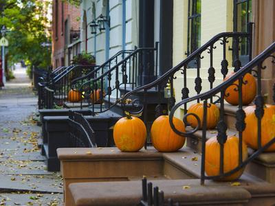 USA, New York, Brooklyn, Brooklyn Heights, Halloween Pumpkins
