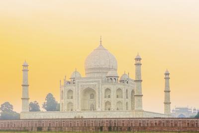 India, Uttar Pradesh, Agra, Taj Mahal in Golden Dawn Light