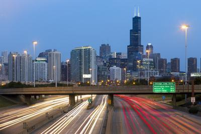 USA, Illinois, Chicago, Interstate Leading Downtown