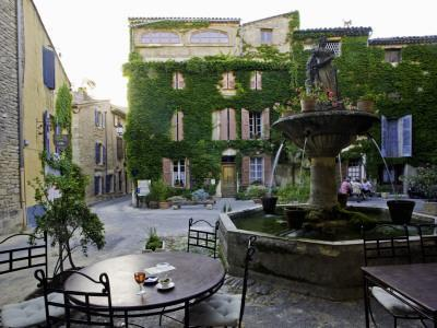 Place De La Fontaine in the Hilltop Village of Saignon