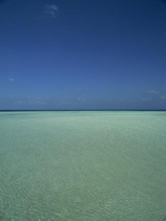 Turquoise Sea and Blue Sky, Seascape in the Maldives, Indian Ocean