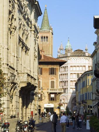 Via Melloni, Parma, Emilia Romagna, Italy, Europe