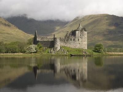 Kilchurn Castle, Near Loch Awe, Highlands, Scotland, United Kingdom, Europe