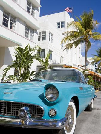 Avalon Hotel and Classic Car on South Beach, City of Miami Beach, Florida, USA, North America