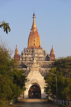 Ananda Temple, Bagan (Pagan), Central Myanmar, Myanmar (Burma), Asia