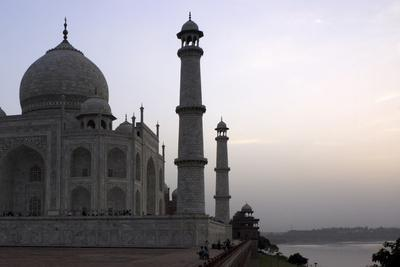 Yamuna River and Taj Mahal, UNESCO World Heritage Site, Agra, Uttar Pradesh, India, Asia