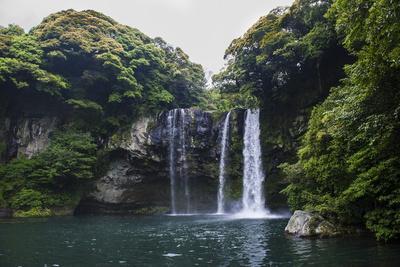 Cheonjiyeon Pokpo Waterfall, Island of Jejudo, UNESCO World Heritage Site, South Korea, Asia