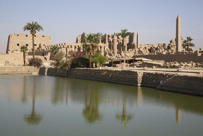 Sacred Lake (Foreground), Karnak Temple, Luxor, Thebes, Egypt, North Africa, Africa