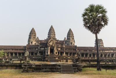 East Entrance to Angkor Wat, Angkor, UNESCO World Heritage Site, Siem Reap, Cambodia, Indochina