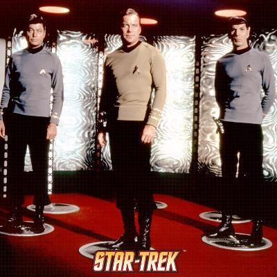 Star Trek: The Original Series Transporter with Captain Kirk, Spock and Dr. McCoy
