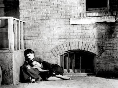 "Charlie Chaplin, Paulette Goddard. ""The Masses"" 1936, ""Modern Times"" Directed by Charles Chaplin"