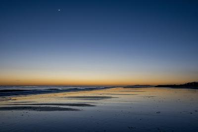 California, Carpinteria, Santa Barbara Channel, Beach at a Night