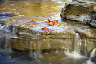 Indiana. Cataract Falls SNA, Rocks at Lower Cataract Waterfall